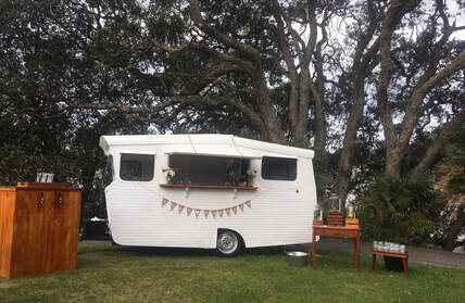 Tairua wedding. Vintage caravan bar with keg bar